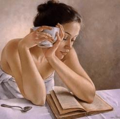 0000-Mulher-lendo-livro-com-tigela-na-mão-300x298